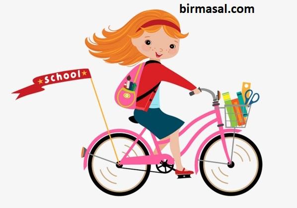 Aylin Bisiklet Sürüyor